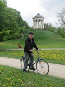 Cycling in Englischer Garten near Monopteros