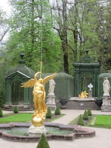 Gilt statue at Linderhof