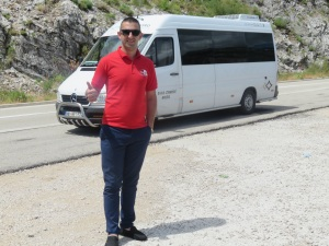 Vlad and the van minus trailer