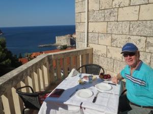 Breakfast at Villa Enni