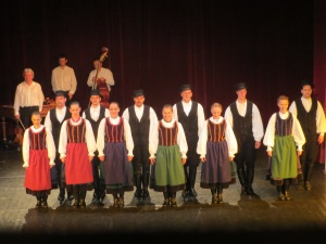 Hungarian Dance Rhapsody troupe