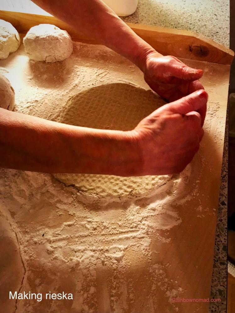 Making rieska